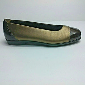 SAS TRIPAD COMFORT FOOT BED Two Tone Slip On Flats